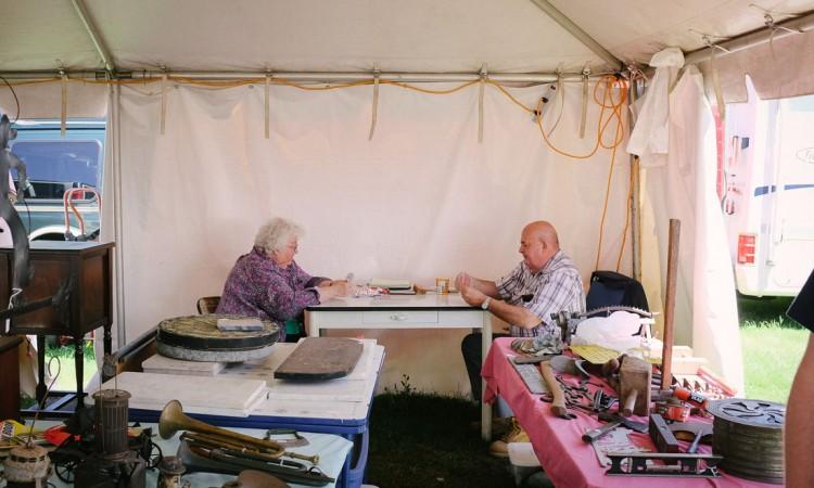 brimfield-ma-antiques-show-0030