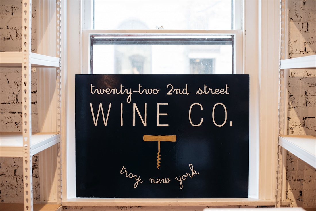 twenty-two-second-street-troy-wine-shop-0004